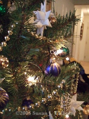 [Detail of my mother's Christmas tree in 2006.]